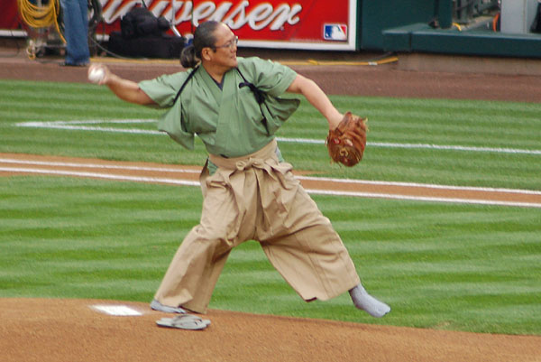 Masaharu Morimoto serves up the first pitch